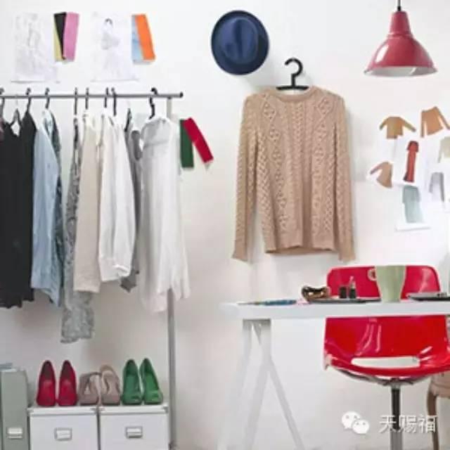 逆向思维是在服装设计中能够进行大胆创新的一种思维